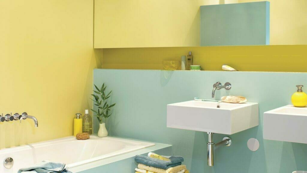 use-colour-to-make-a-small-bathroom-feel-bigger